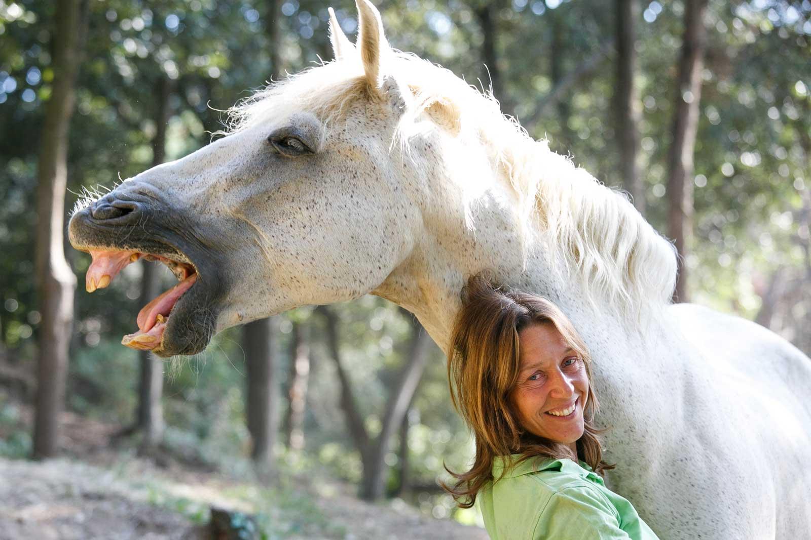 Melin Martínez Farriols especialista en doma natural,  amb el seu cavall Jaramago