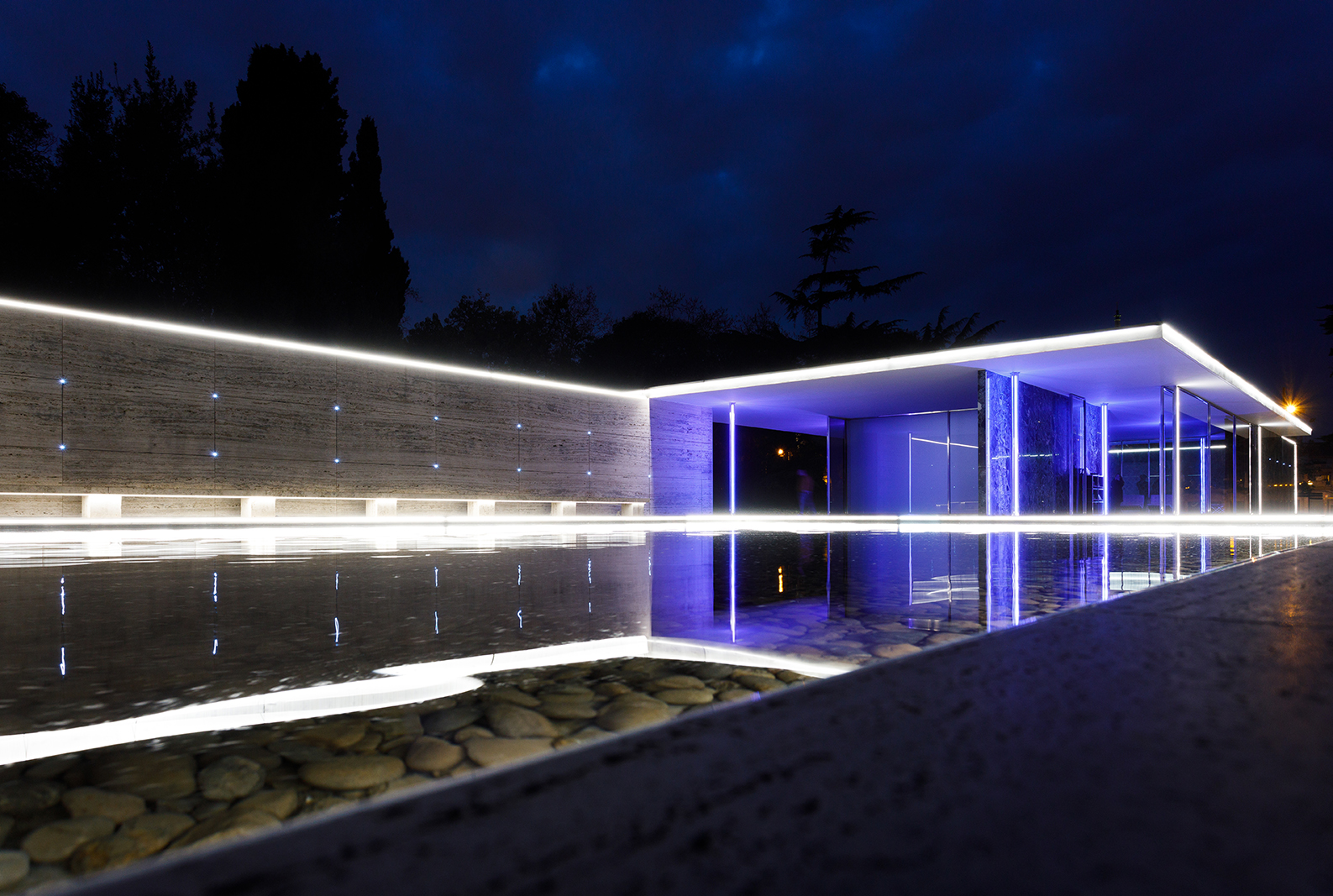 BIG BANG BUILDING LIGHT! - Mario Pasqualotto – gener 2020 - Pavelló Mies van der Rohe – Barcelona